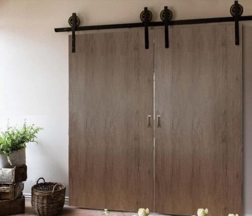 Posuvné dveře Izyda se dvěma dveřními křídly